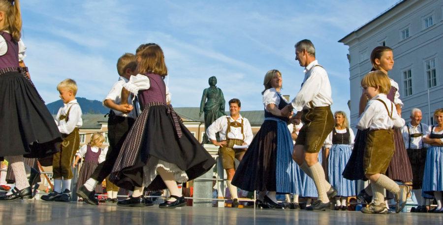 Volkstanz und Schuhplattler im Salzburger Bauernherbst