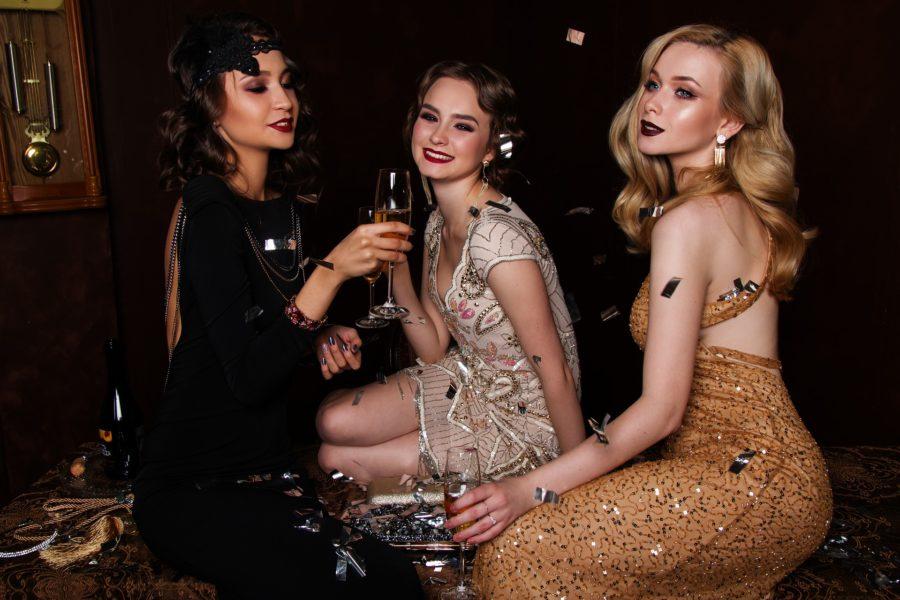 drei Mädels im Casino beim Poltern