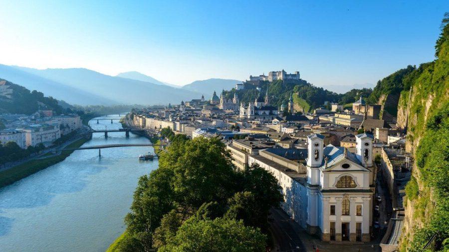 Aussicht auf die Stadt Salzburg vom Mönchsberg