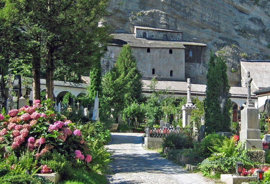 Friedhof St.Peter mit Blick auf Katakomben