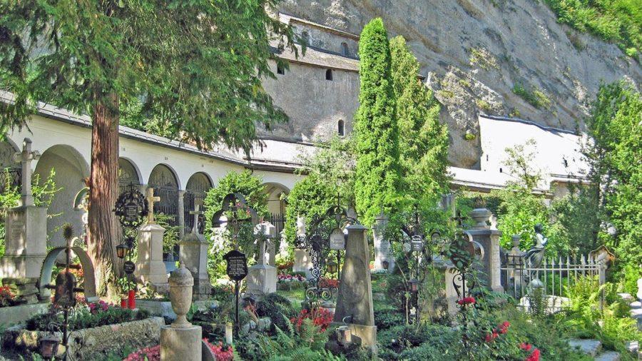 Friedhof mit Blick auf Katakomben