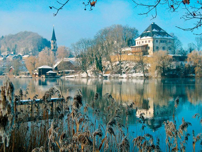 SChloss Mattsee im Winter