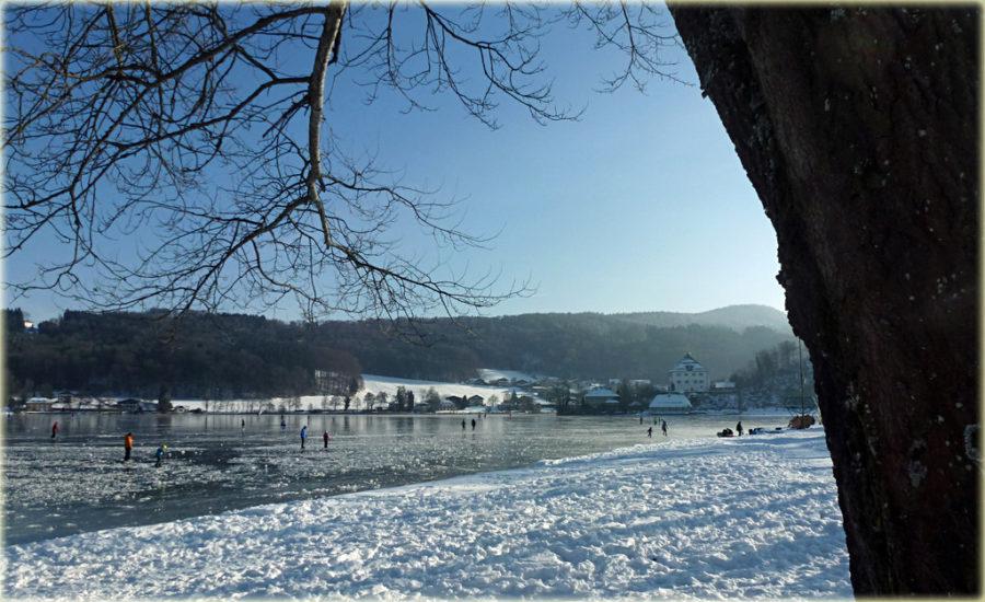 Eisläufer am Mattsee