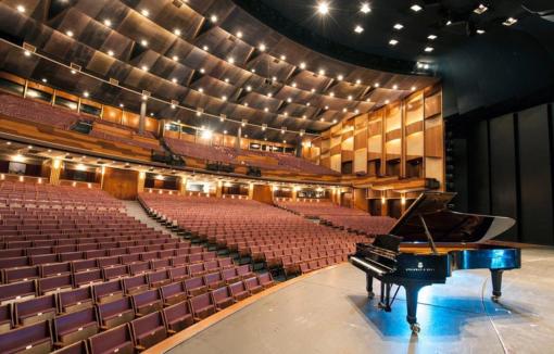 Bühnensicht im Großen Festspielhaus