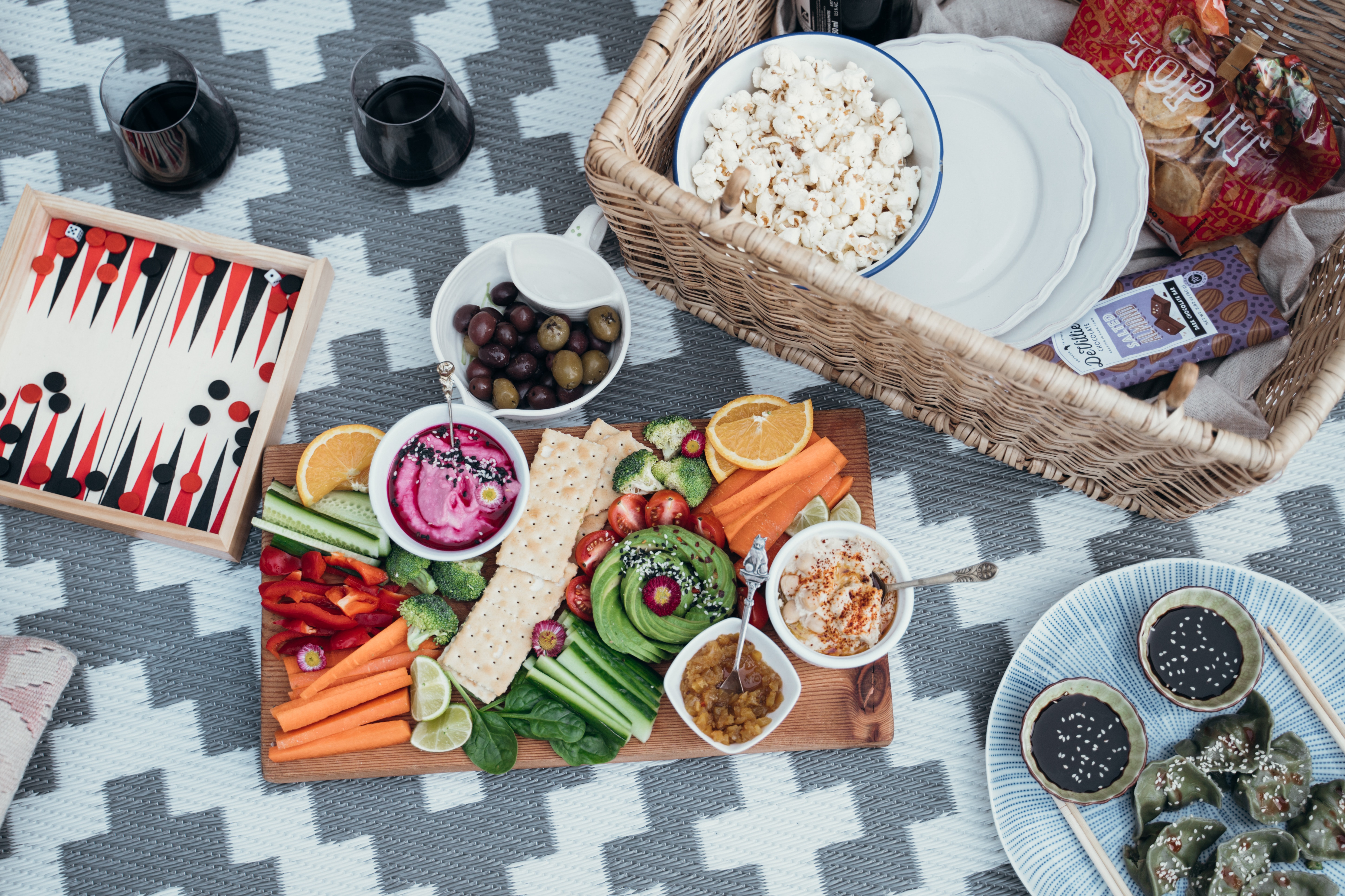Leckere Snacks fürs Picknick im Grünen
